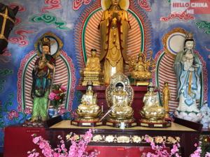 Монастырь Десяти тысяч Будд (фото 6)