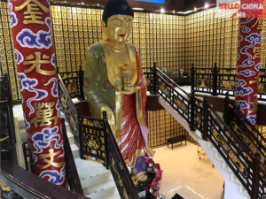 Монастырь Десяти тысяч Будд (фото 3)