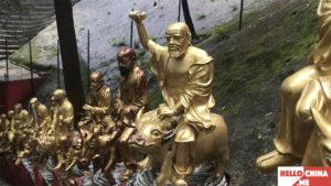 Монастырь Десяти тысяч Будд (фото 17)