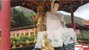 Монастырь Десяти тысяч Будд (фото 18)