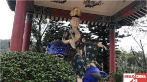 Монастырь Десяти тысяч Будд (фото 24)
