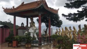Монастырь Десяти тысяч Будд (фото 28)