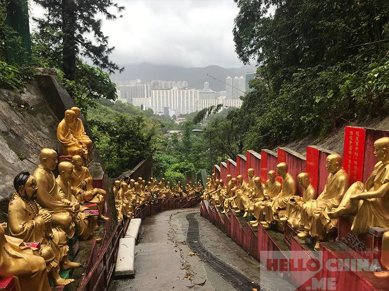Монастырь 10000 Будд