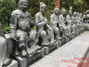 Монастырь Десяти тысяч Будд (фото 8)